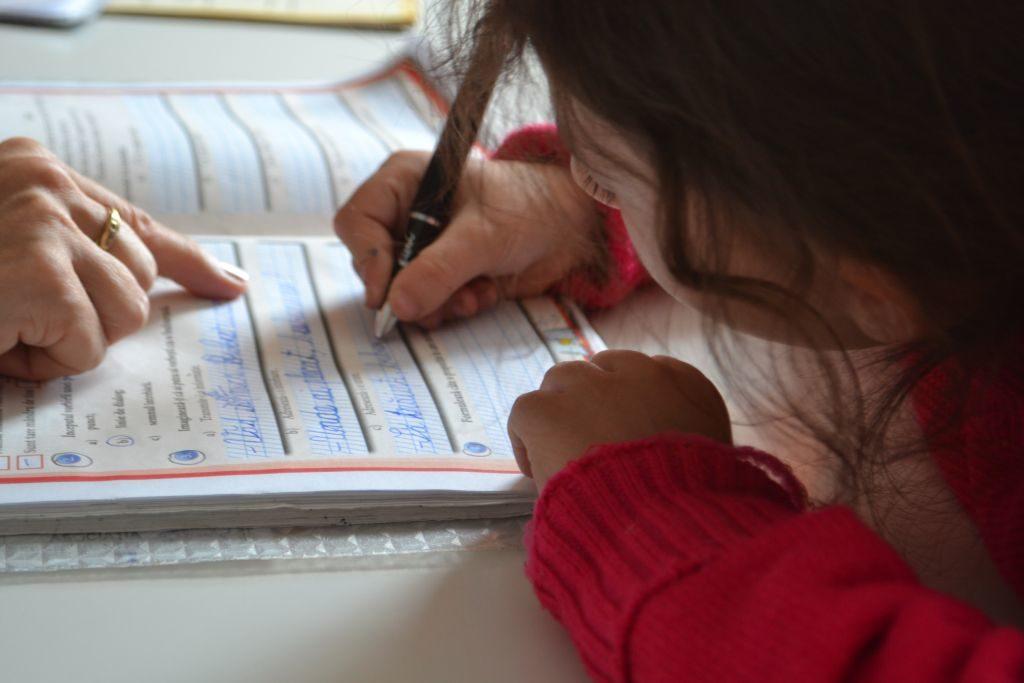 Fundatia Vodafone Romania finanteaza Centru de zi Steluta pentru prevenirea abandonului scolar din cadrul familiilor devarizate
