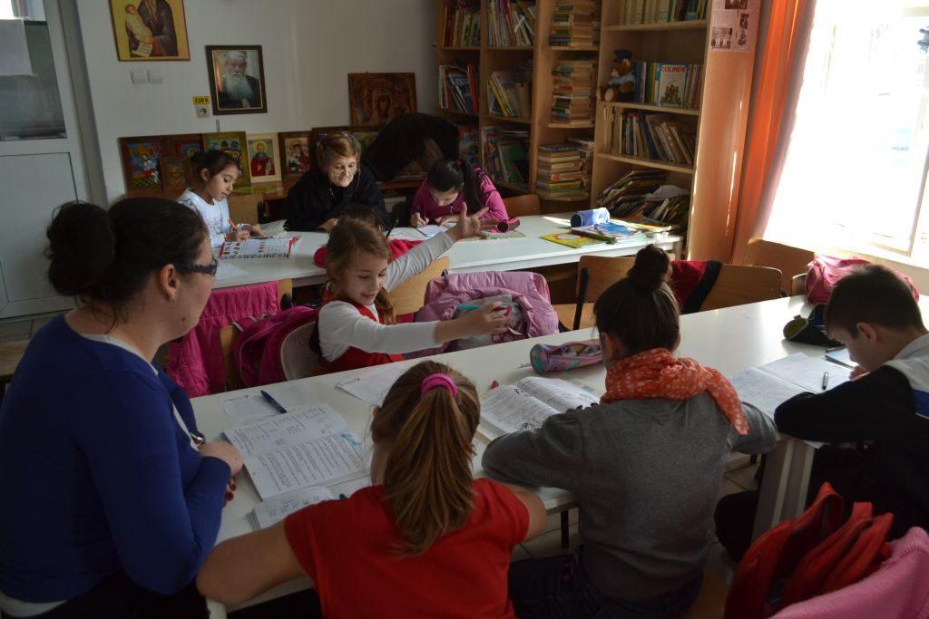 Fundatia Vodafone Romania - Centru de zi Steluta - clasa copii